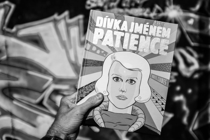 0446_m_daniel-clowes_divka-jmenem-patience
